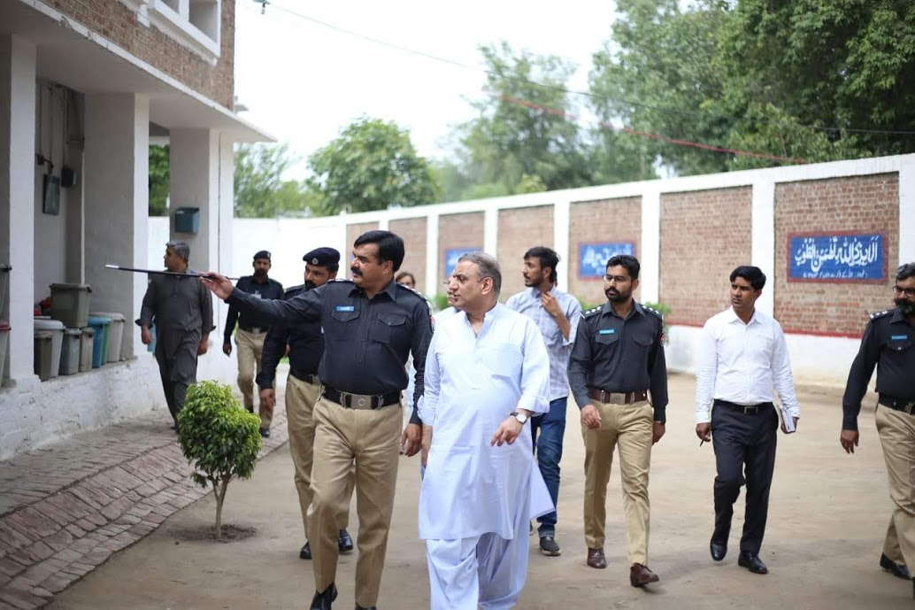Abdul Aleem Khan Visited Kot Lakhpat Jail